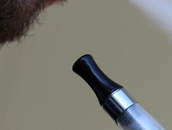 Surf rundt på internettet og læs meget mere omkring e-cigaretter